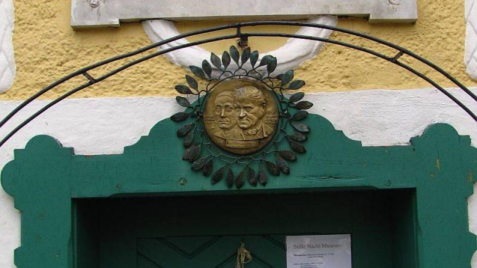 Arnsdorf, v němž světoznámá melodie vznikla, leží asi 25 kilometrů severně od Salcburku