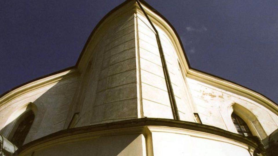 Kostel sv. Jana Nepomuckého ve své době bořil konvenční představy o architektuře
