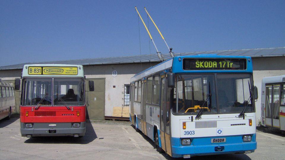 Brno Řečkovice - depozitář TMB, Karosa B 831 a Škoda 17Tr