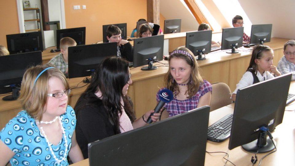 Paseka - děti v nové počítačové učebně