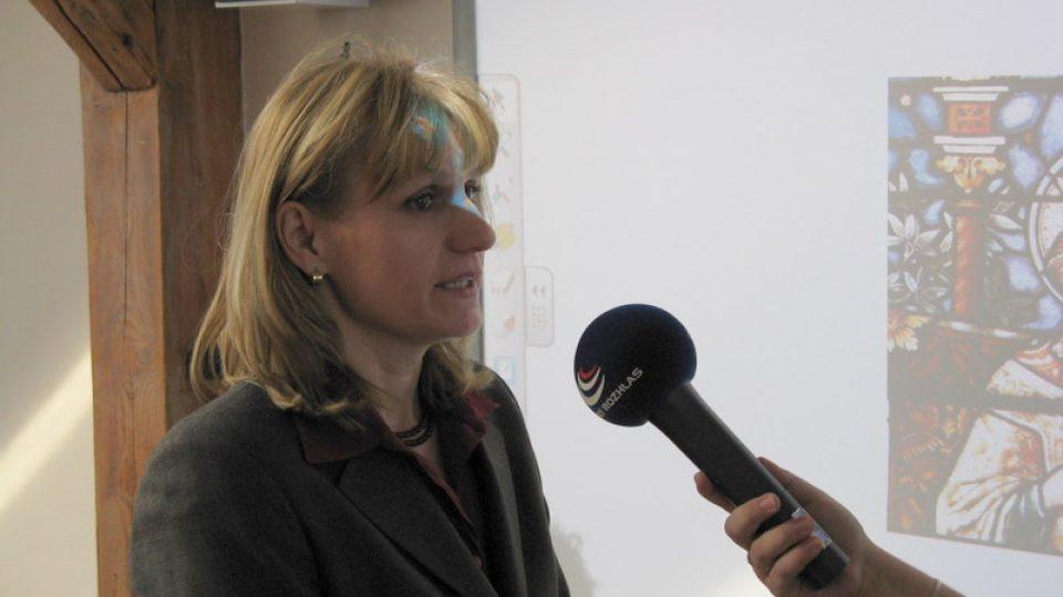 Paseka - ředitelka Základní školy Jana Knápková