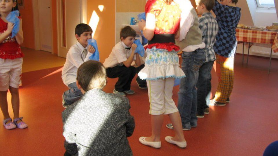 Paseka - vystoupení dětí v nové učebně výtvarné výchovy