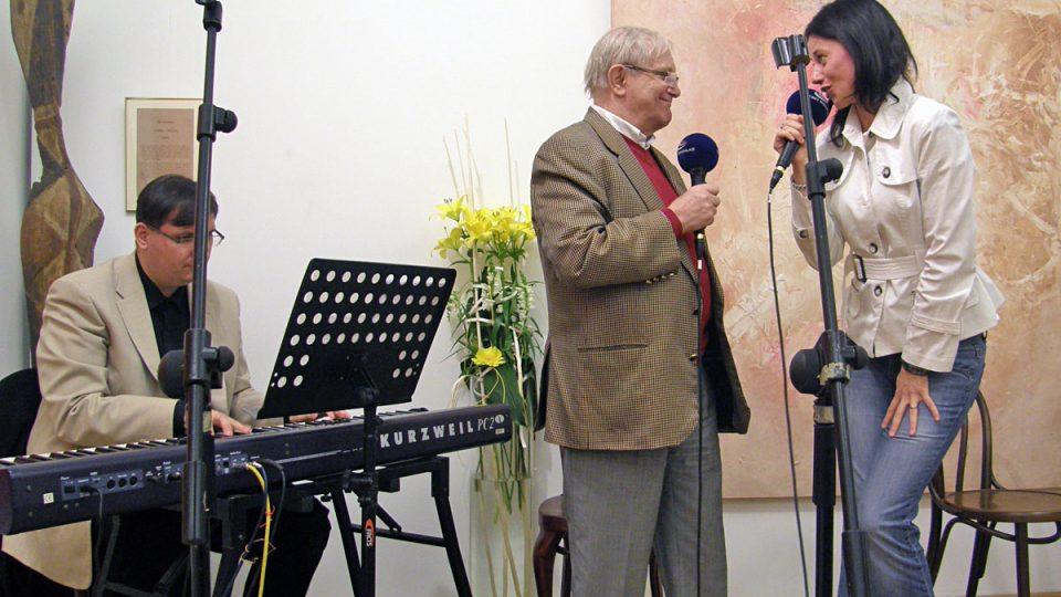 Dáša Zázvůrková a Jiří Suchý se postarali o hudební doprovod