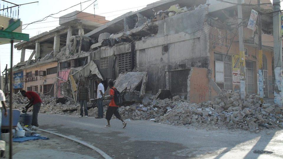 Haiti - ruiny po zemětřesení