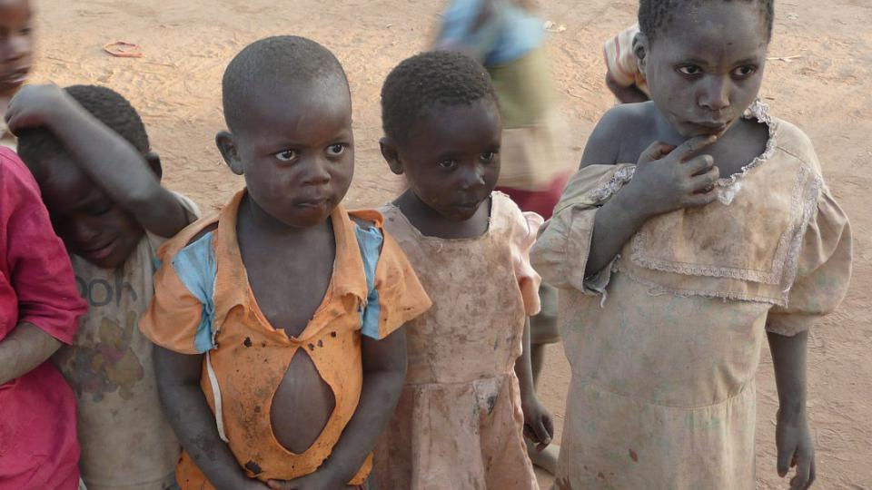 Tanzanie - děti z chudých rodin