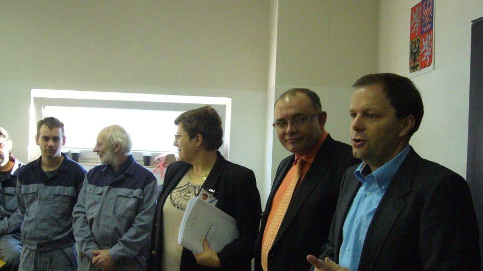 Slavnostní projevy hostů a vedení vězeňského učiliště