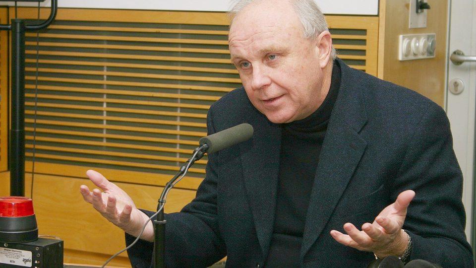 Lékař Jan Starý ve studiu