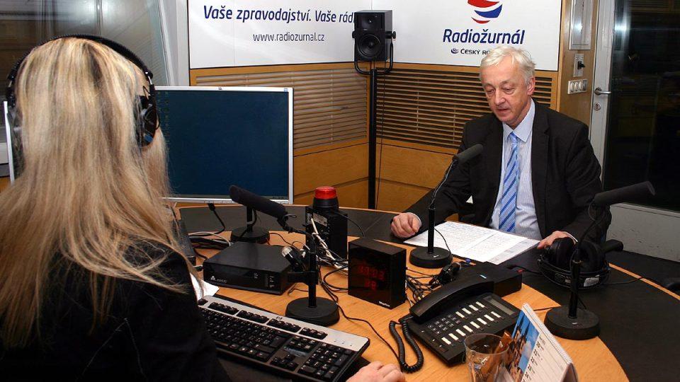 Předseda pražského městského soudu Jan Sváček s moderátorkou Štěpánkou Čechovou