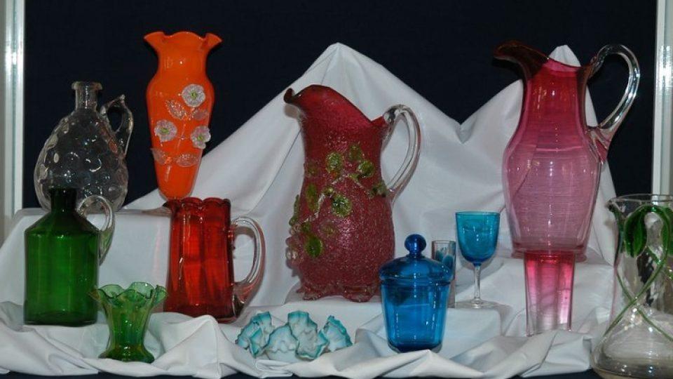 Chloubou Horáckého muzea v Novém Městě na Moravě je také sbírka skleněných pohárů