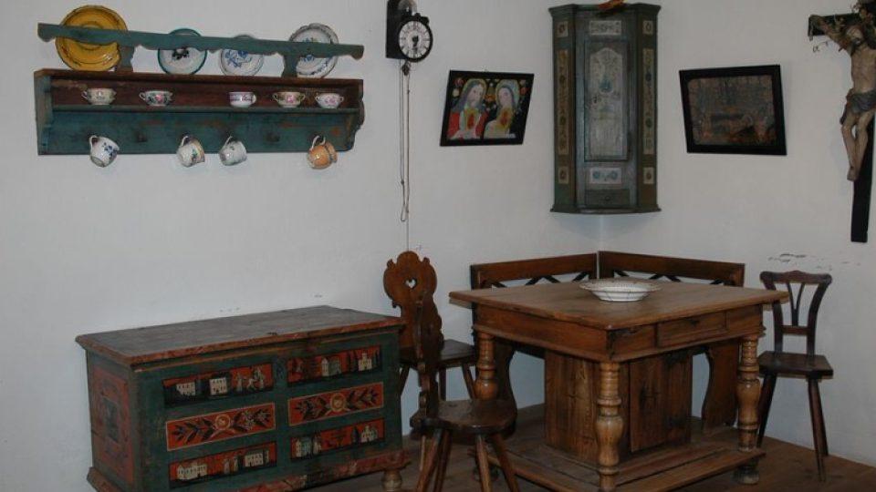 Expozice lidové kultury ze severní oblasti Horácka ukazuje, jak zde lidé před lety žili