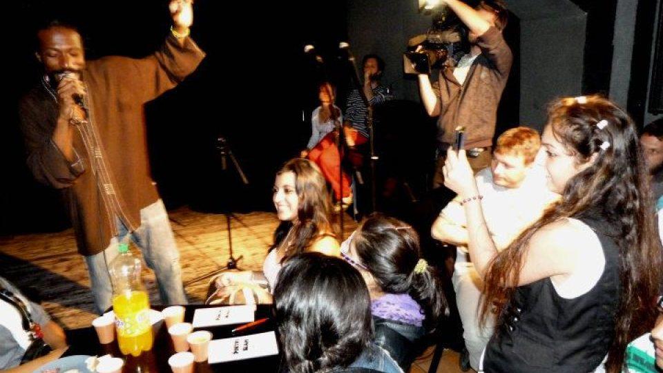 """Křest sbírky """"Poetry Slam – dětská kreativní básnická dílna Praha / Ústí nad Labem"""""""
