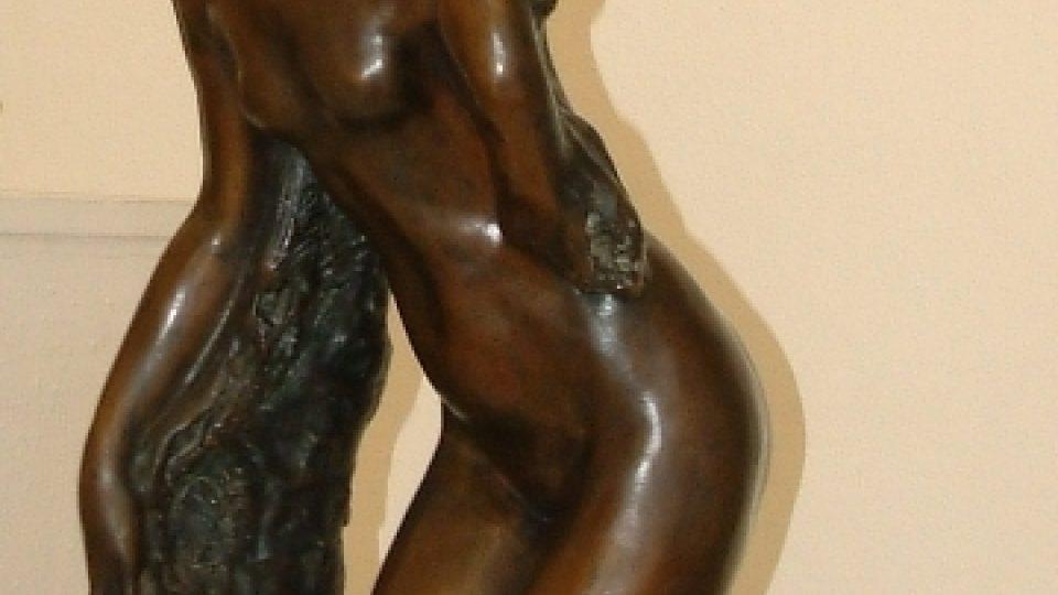 Plastika novoměstského rodáka Jana Štursy umístěná v expozici Horácké galerie