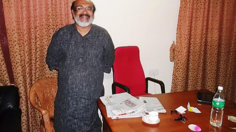 Thomas Isaac, bývalý komunistický ministr financí státu Kérala, ve své pracovně