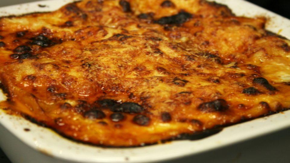 Italské lasagne s ragú bolognese v zapékací misce