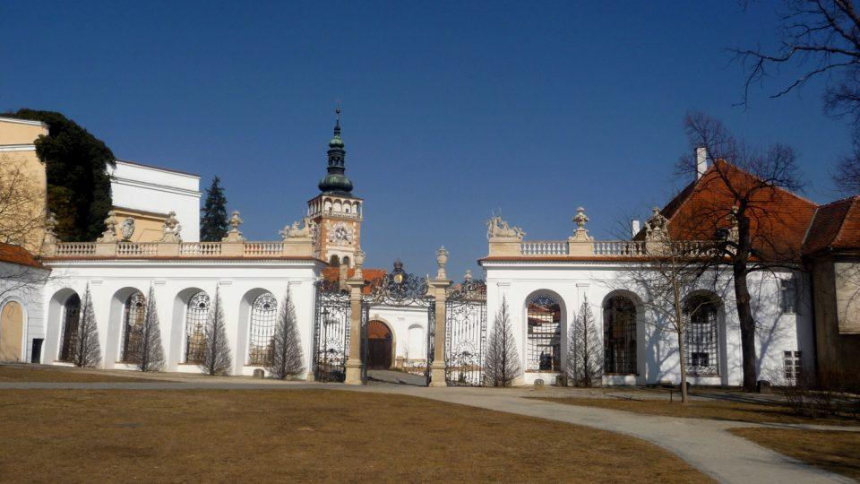 Na proměně středověkého sídla v Mikulově v renesanční knížecí sídlo měl asi největší podíl kardinál František z Dietrichsteina