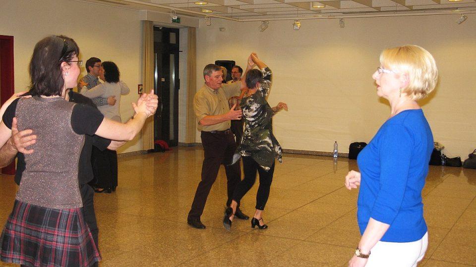 Taneční paní Vlaďky se nesou v pohodové atmosféře