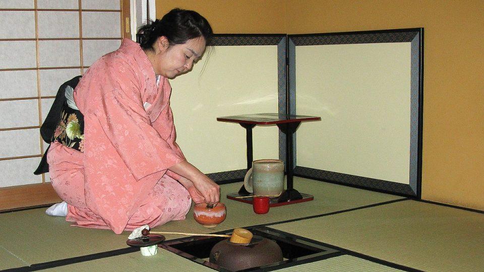 Příprava pravého čajového obřadu je svázána řadou pravidel