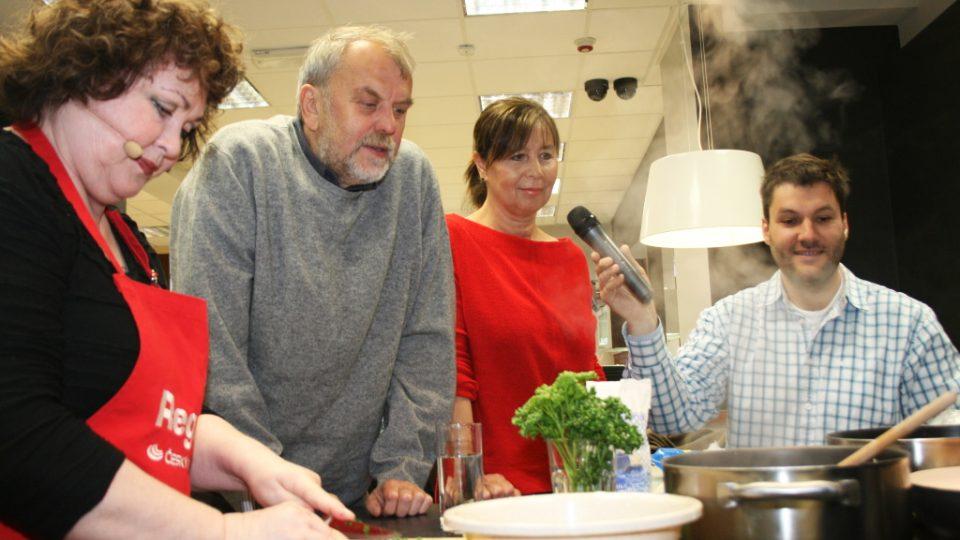 Naďa Konvalinková, Viktor Polesný, jeho žena Lenka a Patrik Rozehnal