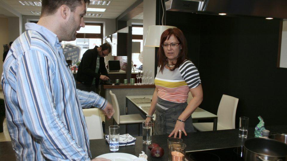 Přípravy před natáčením - Patrik Rozehnal a Kateřina Cajthamlová