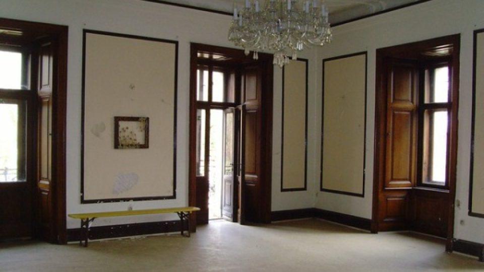 Interiéry zámku Stránov si volí také snoubenci pro svůj velký den