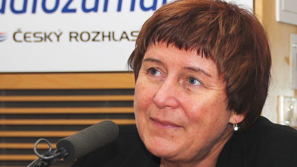 Vedoucí pražské poradny pro odvykání kouření Eva Králíková přijala pozvání Lucie Výborné