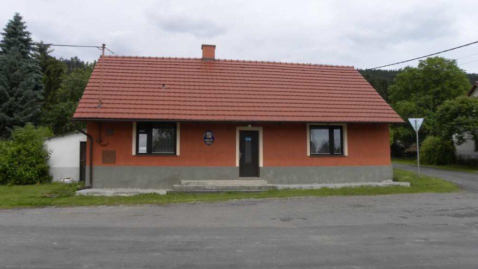 Žlebské Chvalovice - Tady sídlí obecní úřad.