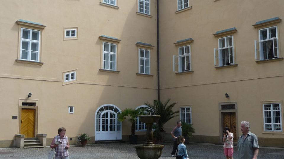 O letošním třetím červnovém víkendu se návštěvníkům otevřely brány zámku Lány po dlouhých šesti letech