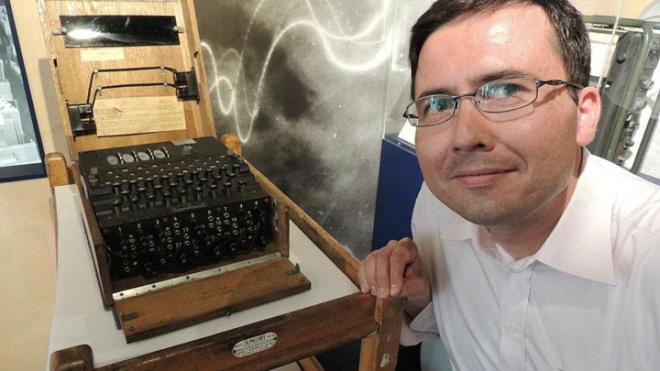 Německý šifrovací stroj Enigma  a Jiří Hošek