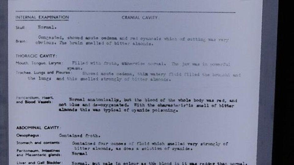 Pitevní protokol Alana Turinga. Příčina smrti: otrava kyanidem