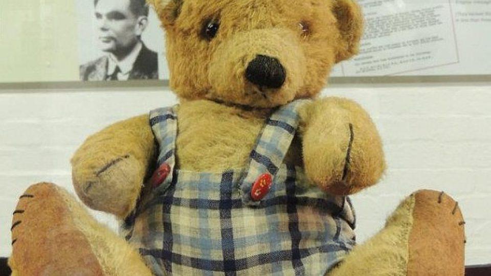 Podívínskému matematikovi patřil tenhle plyšový medvídek