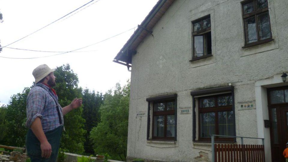 Petr Řezníček před mlýnem