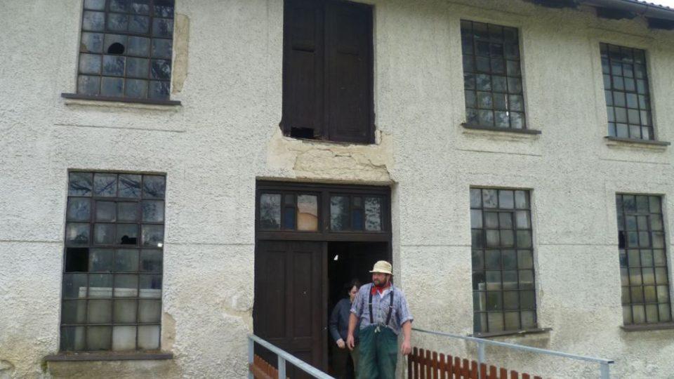 Petr Řezníček vychází ze mlýna