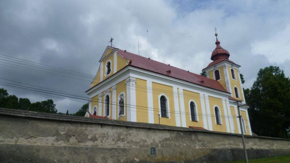 Kostel ve Sněžném