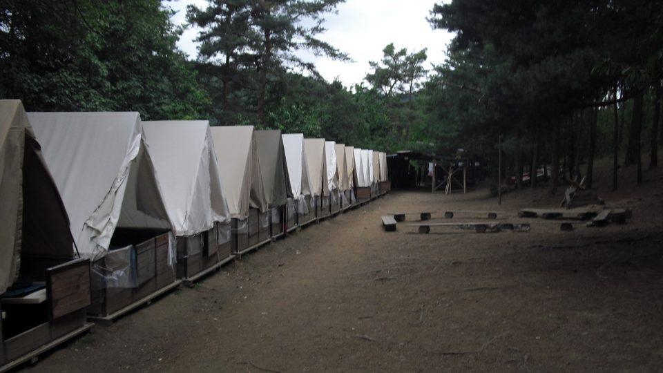 Když se vyrazí na výpravu, tábor na čas osiří