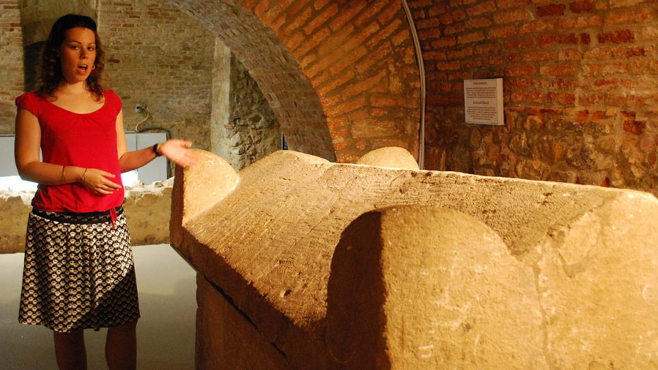 Podzemní labyrint katakomb starokřesťanského pohřebiště