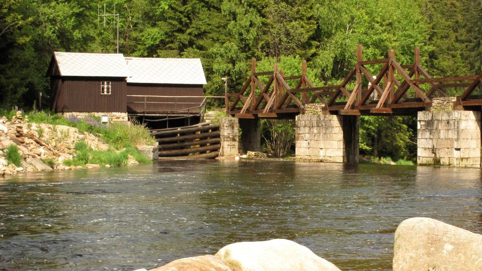 Rechle – hradlový most na začátku Vchynicko-tetovského  plavebního kanálu