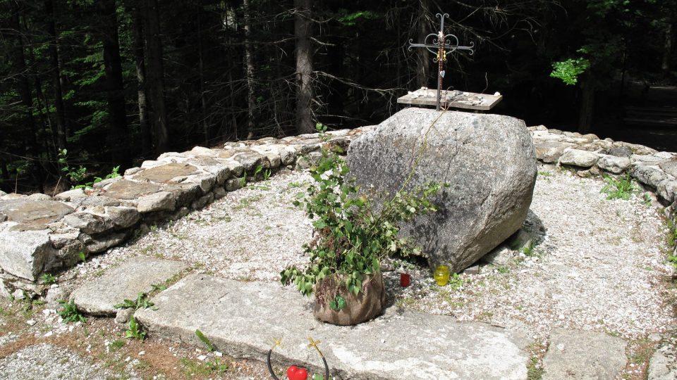 Zbytky Hauswaldské kaple, která byla vystavěna na místě zázraku