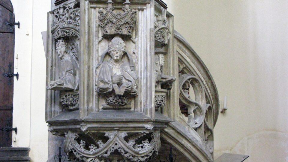 Kazatelna v kostele Panny Marie Na Náměti
