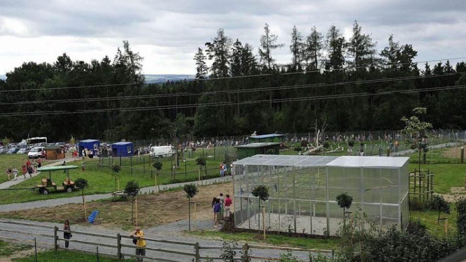 Areál Zoo Tábor-Větrovy zahrnuje asi 20 hektarů plochy