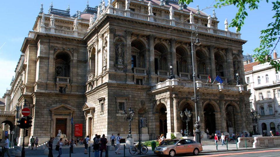 Na Andrássyho třídě najdeme například budovu opery