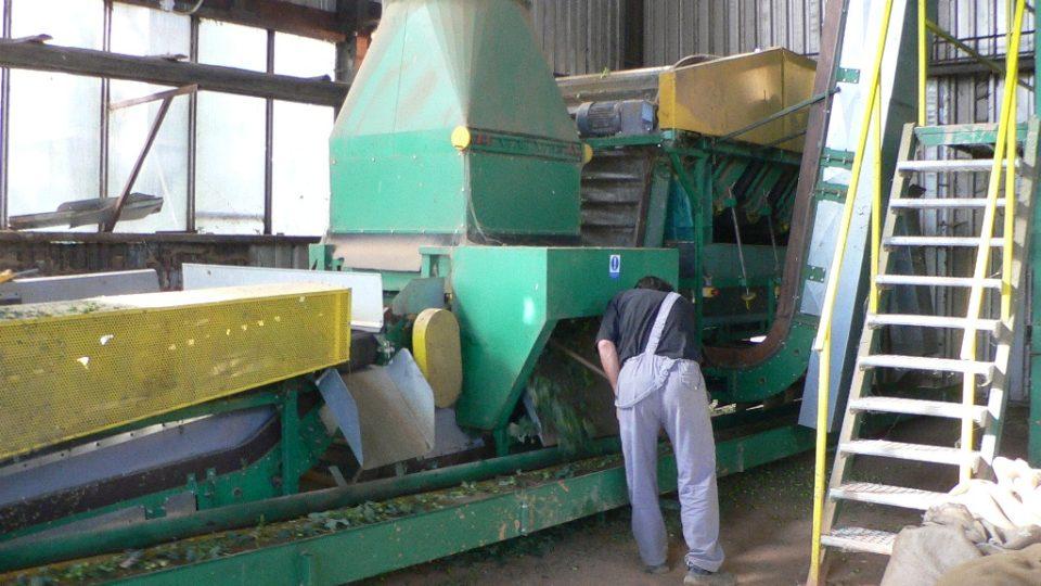 Stroje na úpravu chmele