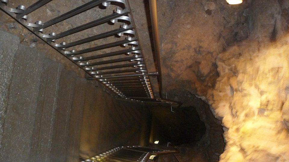 Dolů slezeme po 12metrovém žebříku, který sem byl přemístěn z Macochy