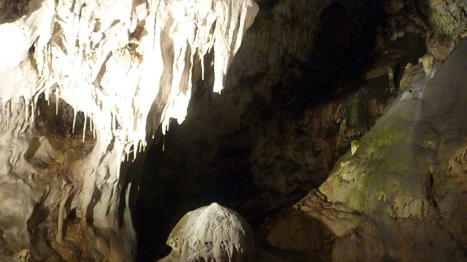 Nejdelší zpřístupněné jeskyně v Česku
