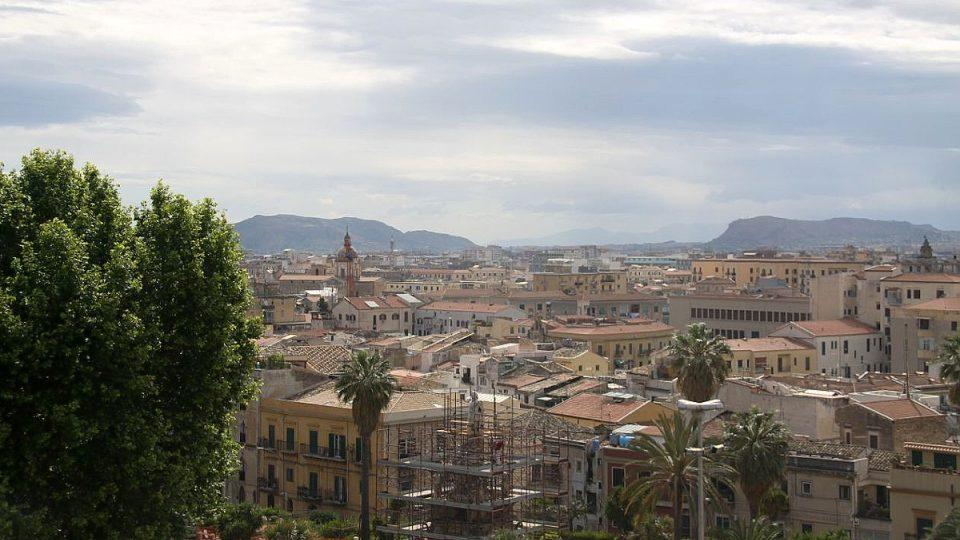 Pohled na Palermo z věže Pisana
