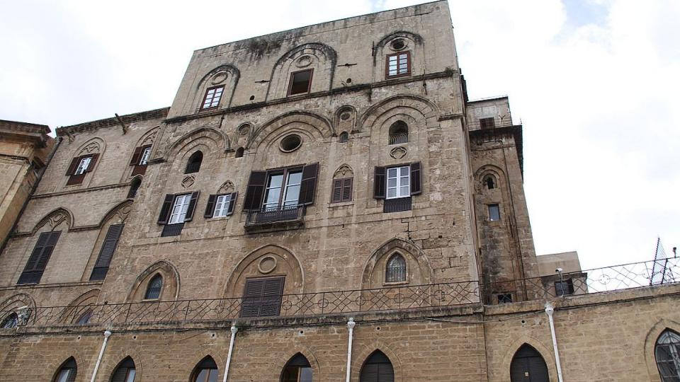 Normanský palác a věž Pisana