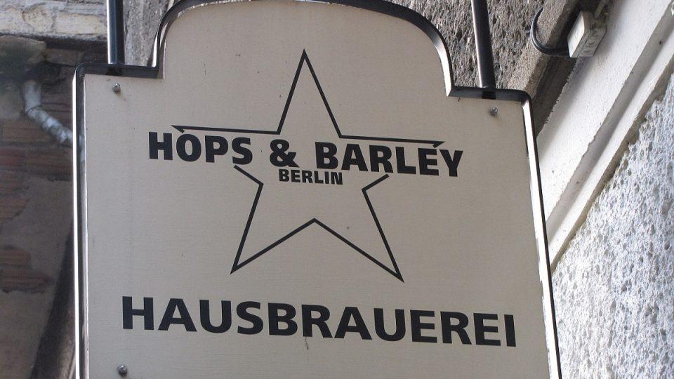 Klasickou pivovarskou hospůdku ve čtvrti Friedrichshain si před čtyřmi lety pořídil Philipp Brokamp