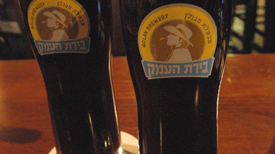 V izraelských pivnicích se pod míru nečepuje, hostinský by se styděl