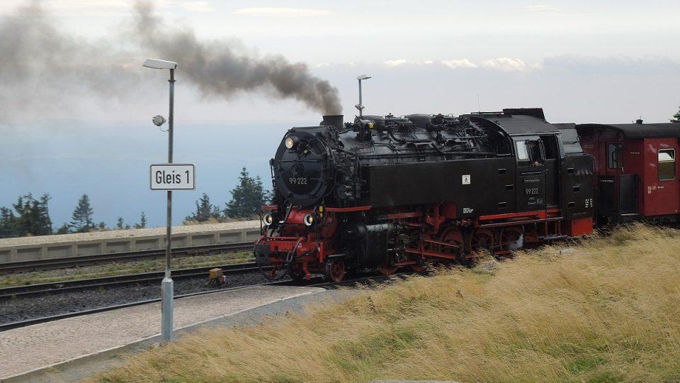 Národním parkem se smí i nadále jezdit parní lokomotivou
