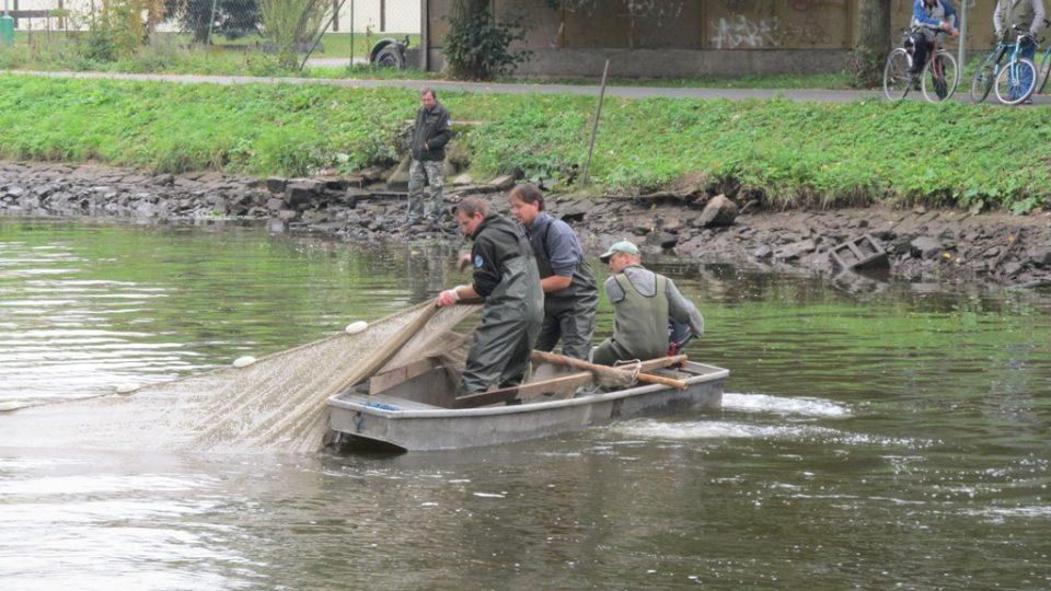 Rybáři při práci