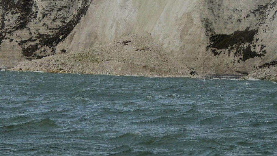 Doverské útesy se pomalu sesouvají